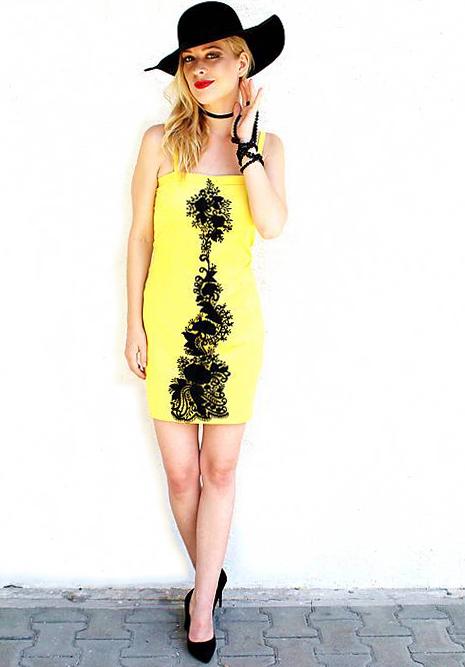 dámske žlté saténové šaty s krajkou 346e1c1f6e9