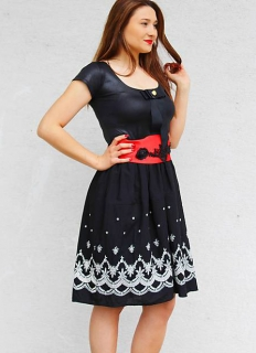 ff9298fdf82b dámske šaty s folklórnym motívom