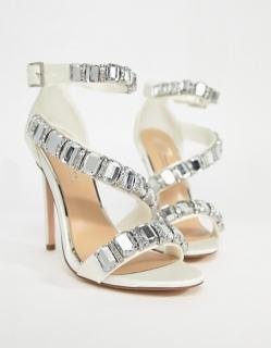 f47f786260e8 dámske svadobné spoločenské sandále s kamienkami
